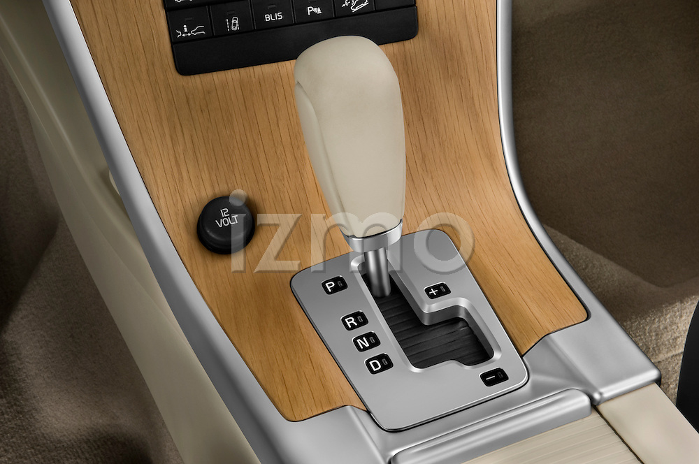 Gear shift detail view of a 2009 Volvo XC 60