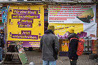 """Start der Unterschriftensammlung zum Volksbegehren """"Deutsche Wohnen & Co. enteignen"""" am Freitag den 26. Februar 2021 in Berlin.<br /> Zum Auftakt der Unterschriftensammlung fuer das angestrebte Volksbegehren zur Vergesellschaftung der Immobilienkonzerne wie Deutsche Wohnen versammelten sich mehrere hundert Menschen am Kottbusser Tor in Berlin Kreuzberg.<br /> 26.2.2021, Berlin<br /> Copyright: Christian-Ditsch.de"""