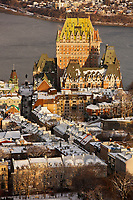 Amérique/Amérique du Nord/Canada/Québec/ Québec: La vieille ville classée Patrimoine Mondial de l'UNESCO, le Château Frontenac et le fleuve St Laurent vus depuis l'Observatoire de la Capitale au  31e étage de l'édifice Marie-Guyart  //  America / North America / Canada / Quebec / Quebec: The UNESCO-listed Old World Heritage Site, Château Frontenac and the St. Lawrence River from the Observatoire de la Capitale on the 31st floor of the Marie-Guyart Building