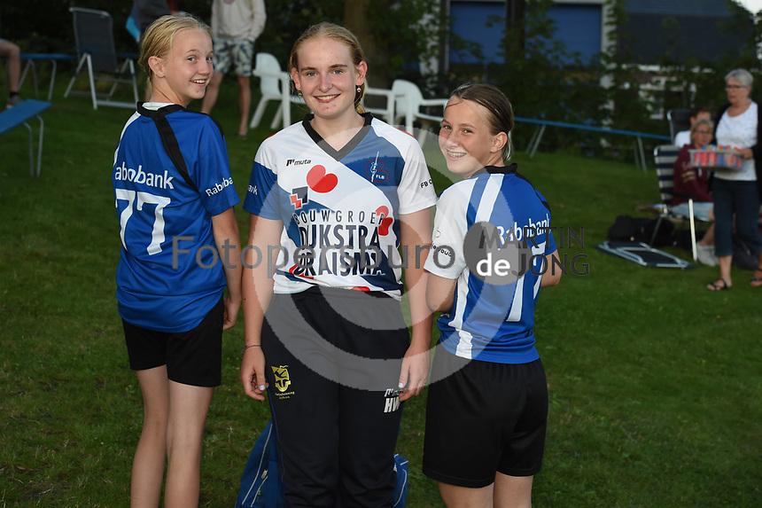 FIERLJEPPEN: BURGUM: 17-07- 2021, 1e klasse fierljeppen, Hanneke Westert wint met 15,60m, ©foto Martin de Jong