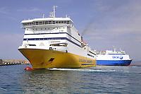 - ferries of Corsica Ferries & Sardinia Ferries and SNCM companies....- traghetti delle compagnie Corsica Ferries & Sardinia Ferries e SNCM