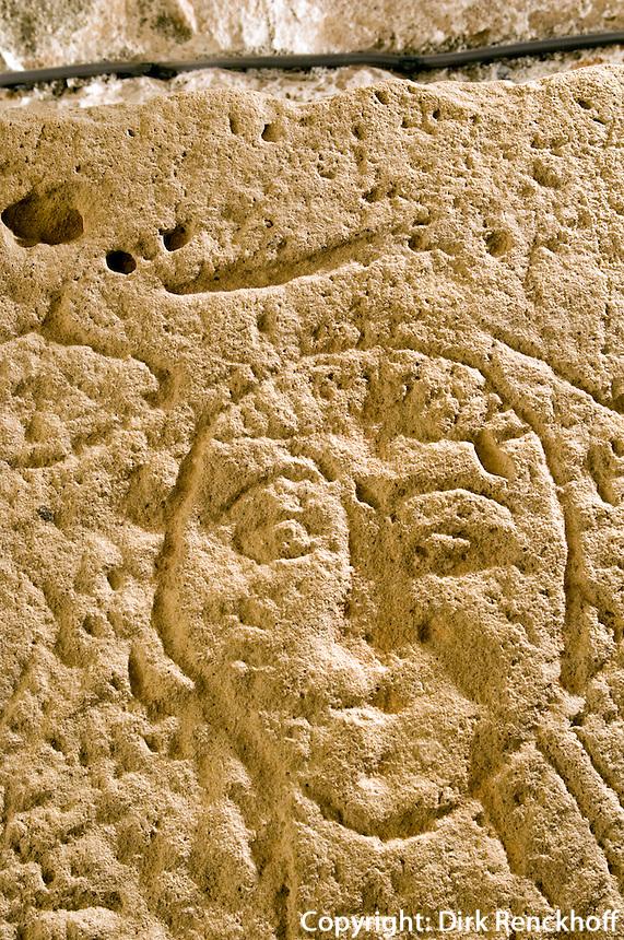 Zypern (Süd), Burg-Museum in Limassol (Lemesos), Grabstein einer Schwangeren 14.Jh n.Chr.
