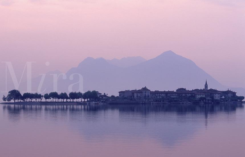 Italy, Lombardy, Lake Maggiore, Isola dei Pescatori at sunrise