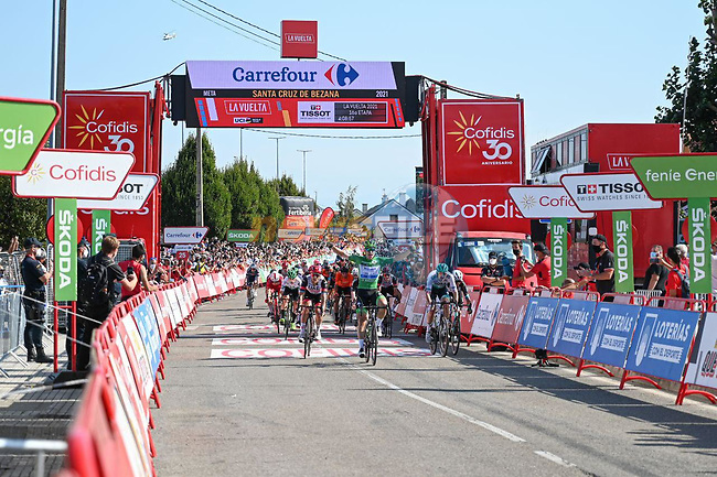 Green Jersey Fabio Jakobsen (NED) Deceuninck-Quick-Step wins Stage 16 of La Vuelta d'Espana 2021, running 180km from Laredo to Santa Cruz de Bezana, Spain. 31st August 2021.     <br /> Picture: Cxcling | Cyclefile<br /> <br /> All photos usage must carry mandatory copyright credit (© Cyclefile | Cxcling)