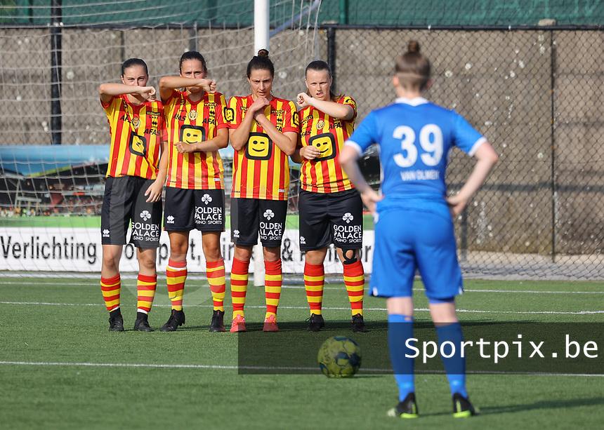 KVM players form the wall in front of Noemi Gorga (39) of KRC Genk during soccer game between Yellow Red KV Mechelen Women and KRC Genk during Belgian Women's National Division 1 match  on day 2 of 2021-2022 season, on Saturday 4th of September  2021 in Mechelen , Belgium . PHOTO SEVIL OKTEM   SPORTPIX