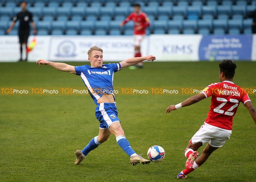 Kyle Dempsey of Gillingham manages to reach the ball first as Charlton's Ian Maatsen looks on during Gillingham vs Charlton Athletic, Sky Bet EFL League 1 Football at the MEMS Priestfield Stadium on 21st November 2020
