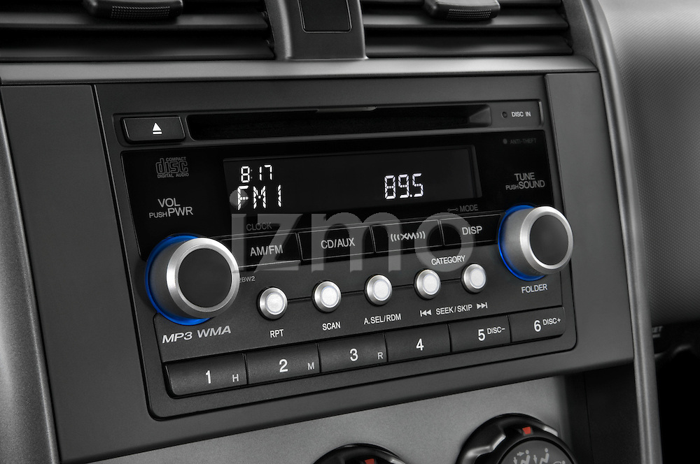 Stereo audio system close up detail view of a 2008 Honda Element EX SUV