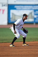 Bristol Pirates shortstop Bealyn Chourio (31) on defense against the Burlington Royals at Boyce Cox Field on July 10, 2015 in Bristol, Virginia.  The Pirates defeated the Royals 9-4. (Brian Westerholt/Four Seam Images)