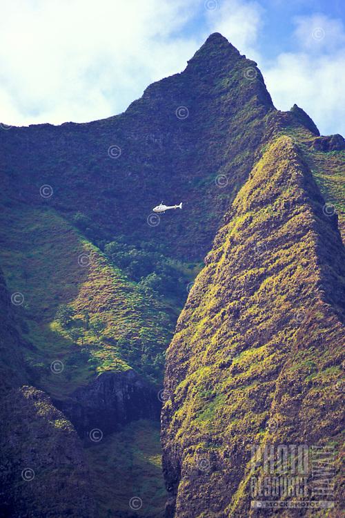 Helicopter tour through the mountainous peaks of the Na Pali coastline, north shore of Kauai