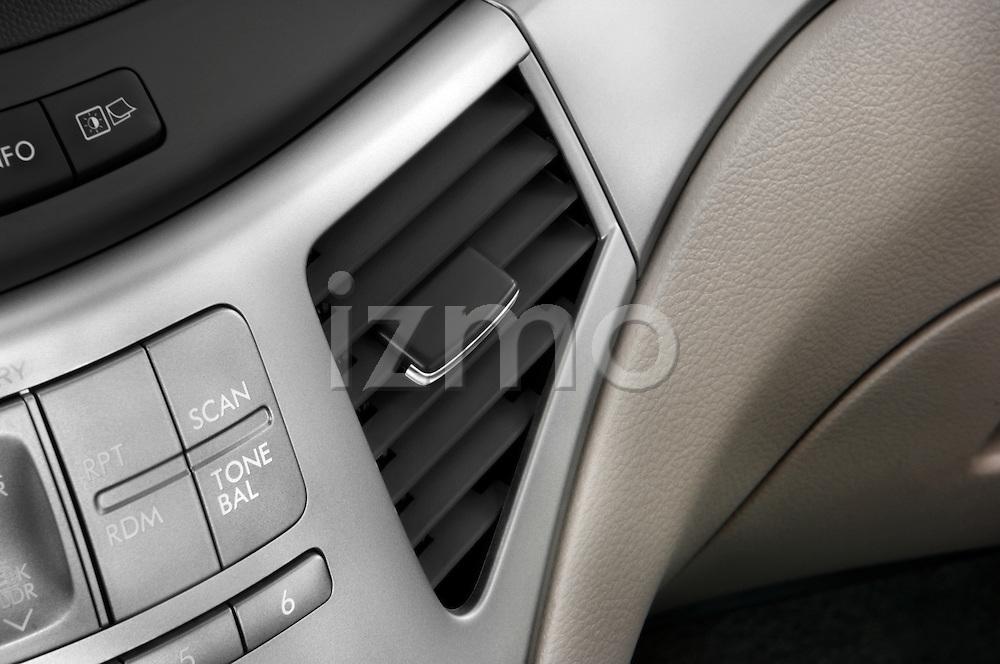 Air vent close up deatil view of a 2008 Subaru Tribeca SUV