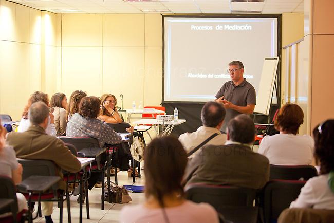 Congreso anual de la FAD (Fundación de Ayuda contra la Drogadicción). Taller 3: La Mediación Familiar, Ignacio Bolaños Cartujo.