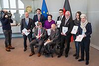 Der Wehrbeauftragte des Deutschen Bundestages, Hans-Peter Bartels (vorne links), uebergibt am Dienstag den 20. Februar 2018 seinen Jahresbericht 2017 an Bundestagspraesident Wolfgang Schaeuble (vorne rechts).<br /> Im Bild stehend vlnr.: <br /> Ruediger Lucassen (AfD);<br /> Thomas Hitschler (SPD);<br /> Anita Schaefer (CDU);<br /> Tobias Lindner (Buendnis 90/Die Gruenen);<br /> Wolfgang Helmich (SPD);<br /> Christine Buchholz (Linkspartei);<br /> Marie-Agnes Strack-Zimmermann (FDP).<br /> 20.2.2018, Berlin<br /> Copyright: Christian-Ditsch.de<br /> [Inhaltsveraendernde Manipulation des Fotos nur nach ausdruecklicher Genehmigung des Fotografen. Vereinbarungen ueber Abtretung von Persoenlichkeitsrechten/Model Release der abgebildeten Person/Personen liegen nicht vor. NO MODEL RELEASE! Nur fuer Redaktionelle Zwecke. Don't publish without copyright Christian-Ditsch.de, Veroeffentlichung nur mit Fotografennennung, sowie gegen Honorar, MwSt. und Beleg. Konto: I N G - D i B a, IBAN DE58500105175400192269, BIC INGDDEFFXXX, Kontakt: post@christian-ditsch.de<br /> Bei der Bearbeitung der Dateiinformationen darf die Urheberkennzeichnung in den EXIF- und  IPTC-Daten nicht entfernt werden, diese sind in digitalen Medien nach §95c UrhG rechtlich geschuetzt. Der Urhebervermerk wird gemaess §13 UrhG verlangt.]