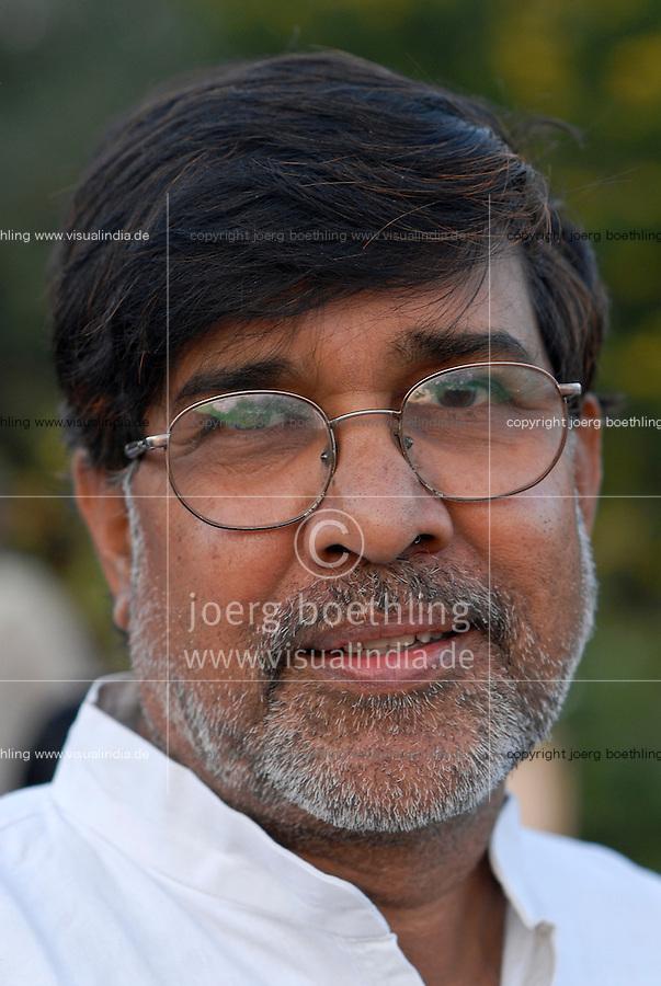 INDIA Rajasthan, Bal ashram for rescued child labourer, human rights activist Kailash Satyarthi, NGO BBA / SACCS which fight for child rights and against child labour, awarded 2014 with peace Nobel prize / INDIEN Rajasthan, Bal ashram fuer befreute Kinderarbeiter, Menschenrechtler und Aktivist Kailash Satyarthi von der NGO BBA / SACCS, die fuer Kinderrechte und gegen  Kinderarbeit kaempfen, er wird 2014 mit dem Friedensnobelpreis geehrt