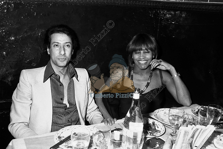 ADRIANO ARAGOZZINI E TINA TURNER<br /> TAVERNA FLAVIA ROMA 1979