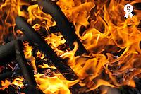 Fire & Flames/Feu & Flammes