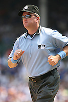 2007:  MLB Umpire Mike Everitt at Wrigley Field during a National League baseball game.  Photo by Mike Janes/Four Seam Images