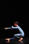 SUITE FOR FIVE....Choregraphie : CUNNINGHAM Merce..Mise en scene : CUNNINGHAM Merce..Compositeur : CAGE John..Compagnie : Merce Cunningham Dance Company..Lumiere : EMMONS Beverly..Costumes : RAUSCHENBERG Robert..Avec :..MADOFF Daniel..Lieu : Theatre de la Ville..Ville : Paris..Le : 15 12 2011..Laurent Paillier