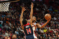 Jimmy Butler (G/F Miami Heat, #22) gegen Ish Smith (G, Washington Wizards, #14) - 22.01.2020: Miami Heat vs. Washington Wizards, American Airlines Arena