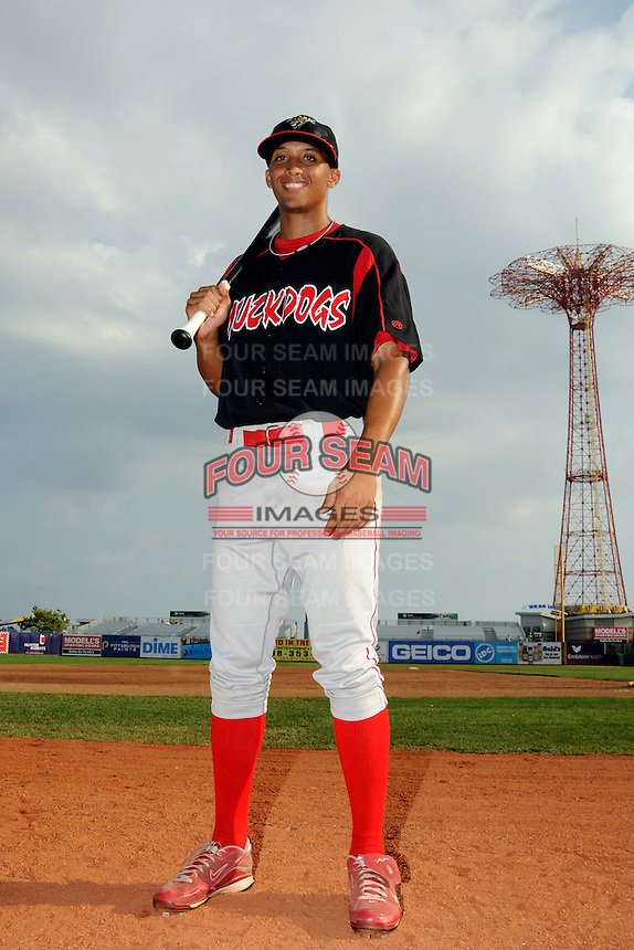 Batavia Muckdogs outfielder Nick Longmire (31) before game against the Brooklyn Cyclones at MCU Park in Brooklyn, NY August 4, 2010. Cyclones won 4-0.  Photo By Tomasso DeRosa/ Four Seam Images