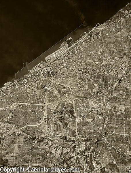 historical aerial photo map of Cleveland, Ohio, 1977
