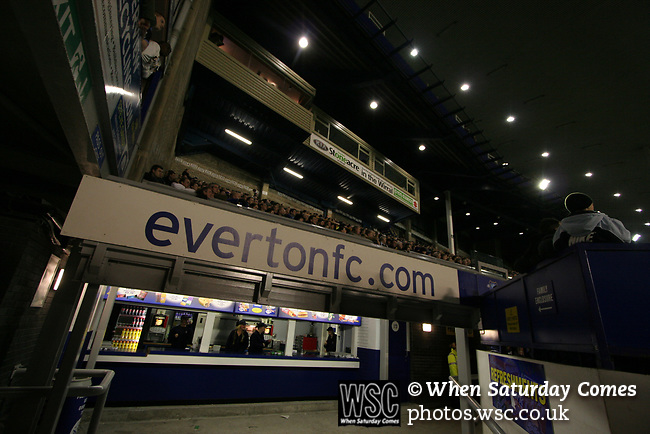Everton 1, West Ham United 2, 14/12/2005. Goodison Park, FA Premiership. Fans watching on from the stands as Everton host West Ham United in a mid-season game on Merseyside. The away team came from behind to win, watched by a crowd of 35,704. Photo by Colin McPherson.