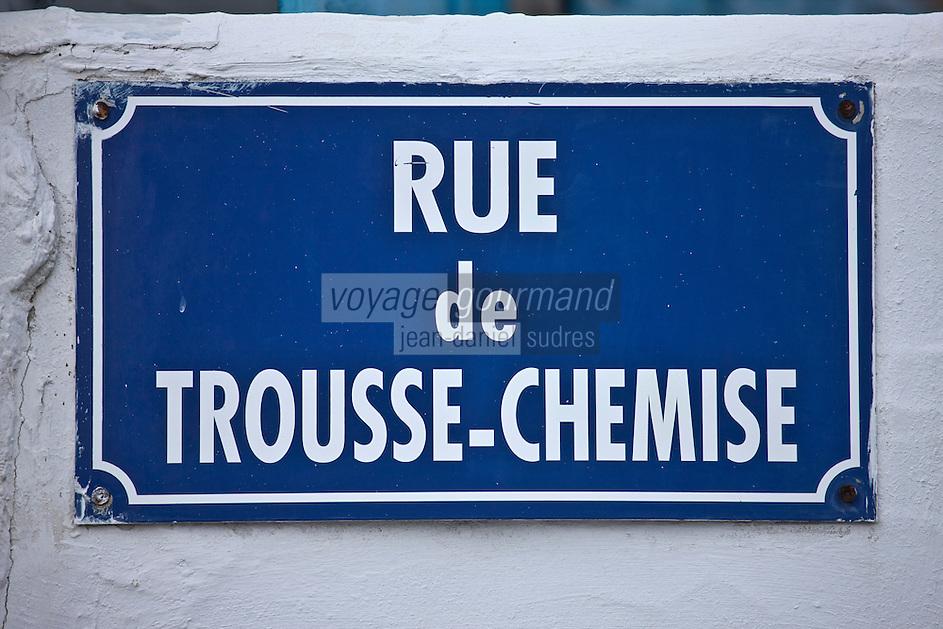Europe/France/Poitou-Charentes/17/Charente-Maritime/Ile de Ré/Les Portes-en-Ré:<br /> Plaque de la rue de Trousse Chemise