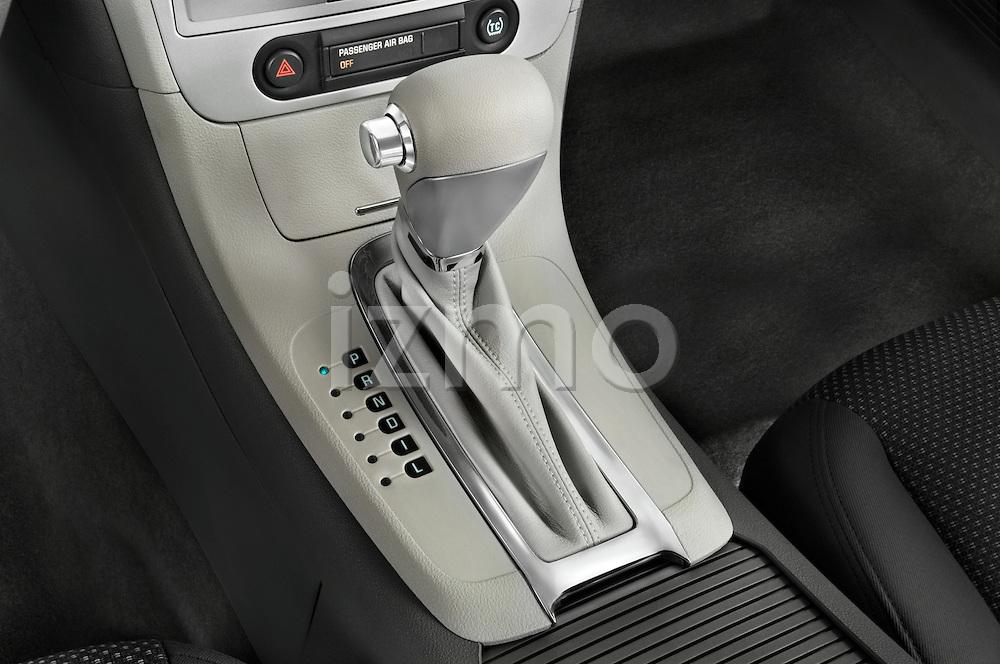Gear shift detail view of a 2008 Chevrolet Malibu Sedan