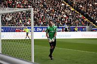 Oka Nikolov (Eintracht) schaut dem Ball hinterher<br /> Eintracht Frankfurt vs. VfL Bochum, Commerzbank Arena<br /> *** Local Caption *** Foto ist honorarpflichtig! zzgl. gesetzl. MwSt. Auf Anfrage in hoeherer Qualitaet/Aufloesung. Belegexemplar an: Marc Schueler, Am Ziegelfalltor 4, 64625 Bensheim, Tel. +49 (0) 6251 86 96 134, www.gameday-mediaservices.de. Email: marc.schueler@gameday-mediaservices.de, Bankverbindung: Volksbank Bergstrasse, Kto.: 151297, BLZ: 50960101