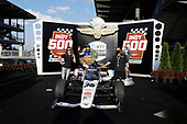 #30: Takuma Sato, Rahal Letterman Lanigan Racing Honda in Victory Lane