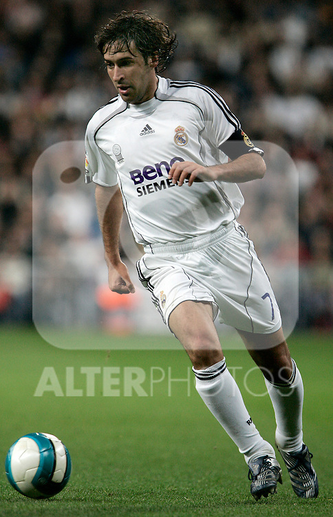 Real Madrid's Raul during Spain's La Liga match at Santiago Bernabeu stadium in Madrid, Sunday March 18, 2007. (ALTERPHOTOS/Alvaro Hernandez).