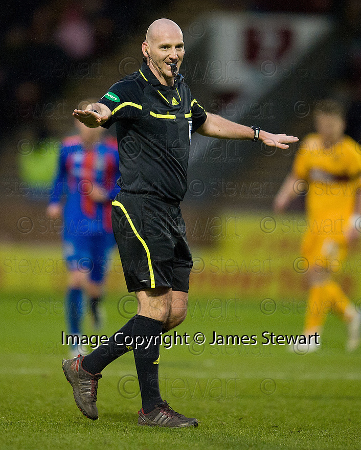 REFEREE BOBBY MADDEN..14/01/2012 sct_jsp014_motherwell_v_ict     .Copyright  Pic : James Stewart.James Stewart Photography 19 Carronlea Drive, Falkirk. FK2 8DN      Vat Reg No. 607 6932 25.Telephone      : +44 (0)1324 570291 .Mobile              : +44 (0)7721 416997.E-mail  :  jim@jspa.co.uk.If you require further information then contact Jim Stewart on any of the numbers above.........
