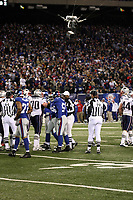 Skycam beobachtet das Geschehen<br /> New York Giants vs. New England Patriots<br /> *** Local Caption *** Foto ist honorarpflichtig! zzgl. gesetzl. MwSt. Auf Anfrage in hoeherer Qualitaet/Aufloesung. Belegexemplar an: Marc Schueler, Am Ziegelfalltor 4, 64625 Bensheim, Tel. +49 (0) 6251 86 96 134, www.gameday-mediaservices.de. Email: marc.schueler@gameday-mediaservices.de, Bankverbindung: Volksbank Bergstrasse, Kto.: 151297, BLZ: 50960101