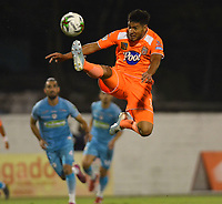 ENVIGADO- COLOMBIA, 08-10-2019.Michael Nike Gomez   (Der.) jugador del Envigado disputa el balón con  Jaguares de Córdoba durante partido por la fecha 16 de la Liga Águila II 2019 jugado en el estadio Polideportivo Sur de la ciudad de Medellín. /Michael Nike Gomez player of Envigado figths the ball agaisnt of Jaguares of Cordoba during the match for the date 16 of the Liga Aguila II 2019 played at Polideportivo Sur stadium in Medellin  city. Photo: VizzorImage / Leon Monsalve/ Contribuidor