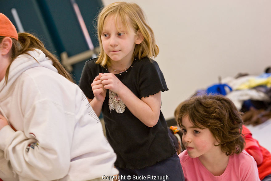 Elementary school students in an Arts Corps theatre class/