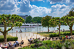 Germany, Hesse, Frankfurt on the Main: riverside terrace Restaurant Main Nizza