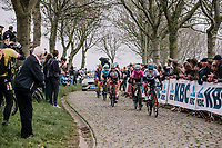 An early break away on the Paadestraat during the 16th Ronde Van Vlaanderen<br /> <br /> Elite Womans Race (1.WWT)<br /> <br /> One day race from Oudenaarde to Oudenaarde<br /> ©Jojo Harper for Kramon