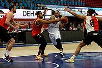 31-03-2021: Basketbal: Donar Groningen v ZZ Feyenoord: Groningen , Donar speler Davonte Lacy tussen Feyenoord speler Juan Davis en Feyenoord speler Raidell de Pree