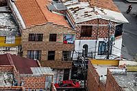 MEDELLIN - COLOMBIA, 21-04-2020: Actividad física en casa en Medellín durante el día 36 de la cuarentena total en el territorio colombiano causada por la pandemia  del Coronavirus, COVID-19. / Phisical activity at home in Medellin of during day 36 of total quarantine in Colombian territory caused by the Coronavirus pandemic, COVID-19. Photo: VizzorImage / Leon Monsalve / Cont