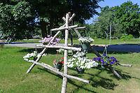 Beim Volkshaus der Liven in Mazirbe, Lettland, Europa