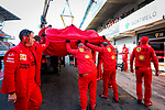 Mechanics from the Scuderia Ferrari Mission Winnow team work during the tests for the new Formula One Grand Prix season at the Circuit de Catalunya in Montmelo, Barcelona. February 19, 2020 (ALTERPHOTOS/Javier Martínez de la Puente)