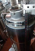 Azienda Agricola Casale Marchese è una azienda in una delle zone più tipiche della produzione del vino Frascati D.O.C. Situata nell'area dei Castelli Romani..The Casale Marchese company lies in Roman Hills. The most typical area for the wine production Frascati D.O.C..Cantina di botti di acciaio inossidabile. Wine cellar of stainless steel barrels.....