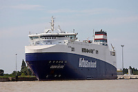 Europe/France/Aquitaine/33/Gironde/Pauillac: le bateau Roulier Ciudad de Cadiz qui transporte les éléments d'Airbus