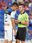 Atalanta BC's Rafael Toloi (l) have words with the Spanish referee Carlos Del Cerro Grande during friendly match. August 10,2019. (ALTERPHOTOS/Acero)