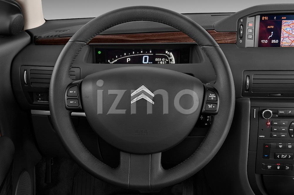 Steering wheel view of a 2005 - 2012 Citroen C6 Exclusive Sedan.