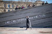 """Protest in Berlin am Internationalen Frauentag unter dem Motto """"Walk-of-Care - Wir kriegen die Krise!"""".<br /> Mehrere hundert Menschen versammelten sich am Montag den 8. Maerz 2021 in Berlin vor dem Arbeitsministerium zu einer Protestkundgebung von Pflegekraeften.<br /> Aufgerufen zu der Kundgebung hatten u.a. der """"feministische Streik Berlin"""", das """"Frauen*streikkomitee Wedding"""", """"Brot & Rosen"""", """"Feminist* Dialogues"""" und das """"Berliner Buendnis fuer Gesundheit statt Profite"""".<br /> In Berlin ist der Internationale Frauentag ein Feiertag.<br /> Im Bild: Unbekannte haben auf eine Mauer den Schriftzug """"Mein Nein brauch nicht Dein warum"""" geklebt.<br /> 8.3.2021, Berlin<br /> Copyright: Christian-Ditsch.de"""