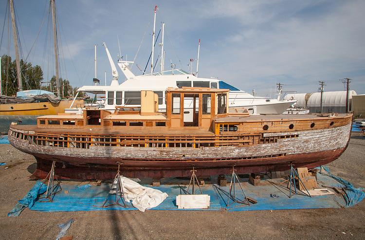 Port Townsend, yacht, Sea Lass, Brown Owl, Boat Haven Marina, Port Townsend, Jefferson County, Olympic Peninsula, Washington State, Pacific Northwest, USA,