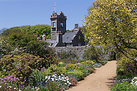Royaume-Uni, îles Anglo-Normandes, île de Sark (Sercq), la Seigneurie, résidence de John Michael Beaumont, Seigneur de Sark , jardins à la française et roseraie //  United Kingdom, Channel Islands, Sark island (Sercq), the Seigneurie, residence of John Michael Beaumont, Seigneur of Sark