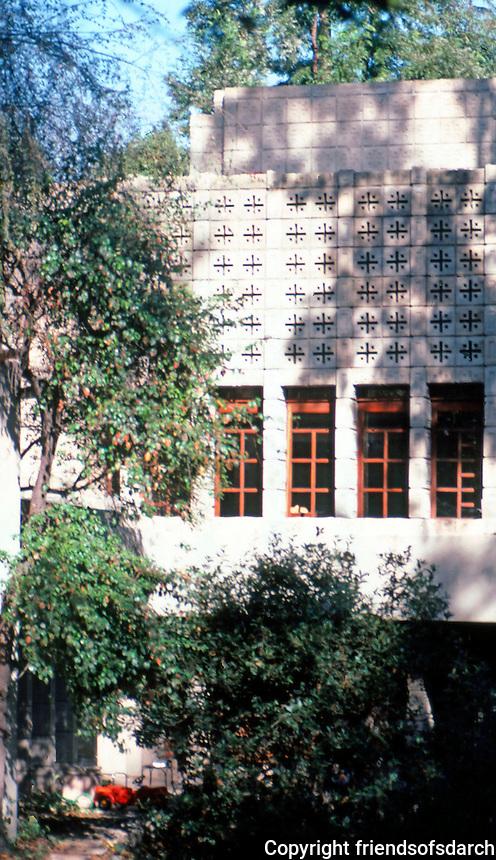 F.L. Wright: La Miniatura.  Photo '87.