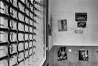 Grate e manifesti erotici in una cella dell'ex carcere san donnino di Como