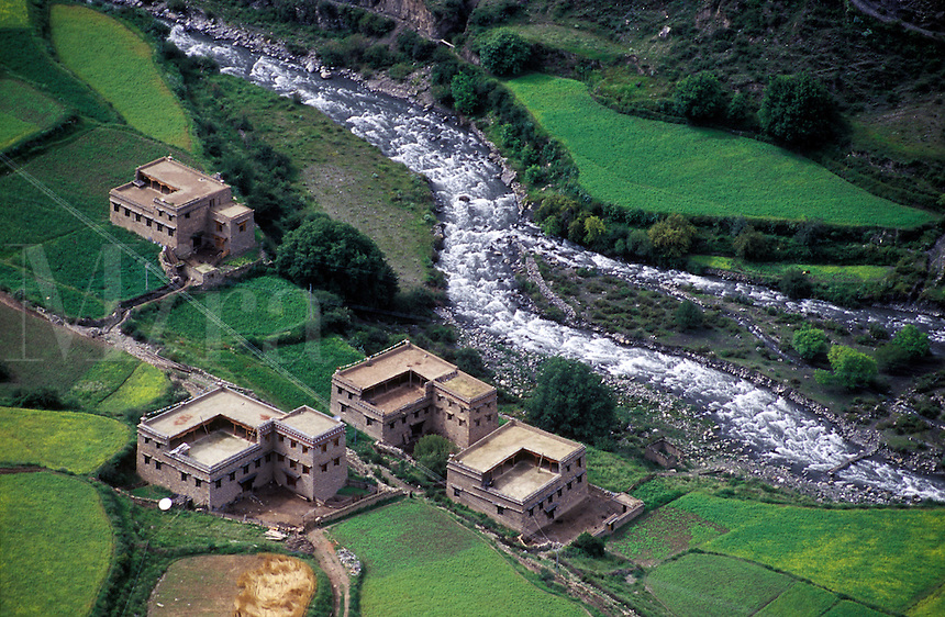 Houses, fields & river on route to the Nyinteng Nature Reserve in Dabpa County, Kham - Sichuan Province, China, (Tibet)